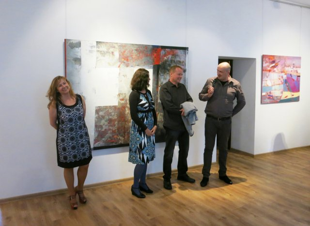 Official opening of the exhibition. In the picture owners of the gallery Katarzyna and Robert Lindenau with authors of the exhibition.